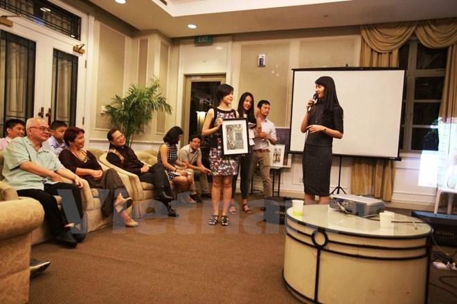 Gần 120 học sinh nghèo vượt khó nhận học bổng Hoa Phong Lan