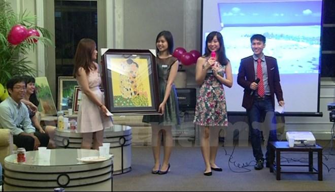 Cộng đồng Việt ở Singapore tổ chức gây Quỹ học bổng Hoa Phong Lan